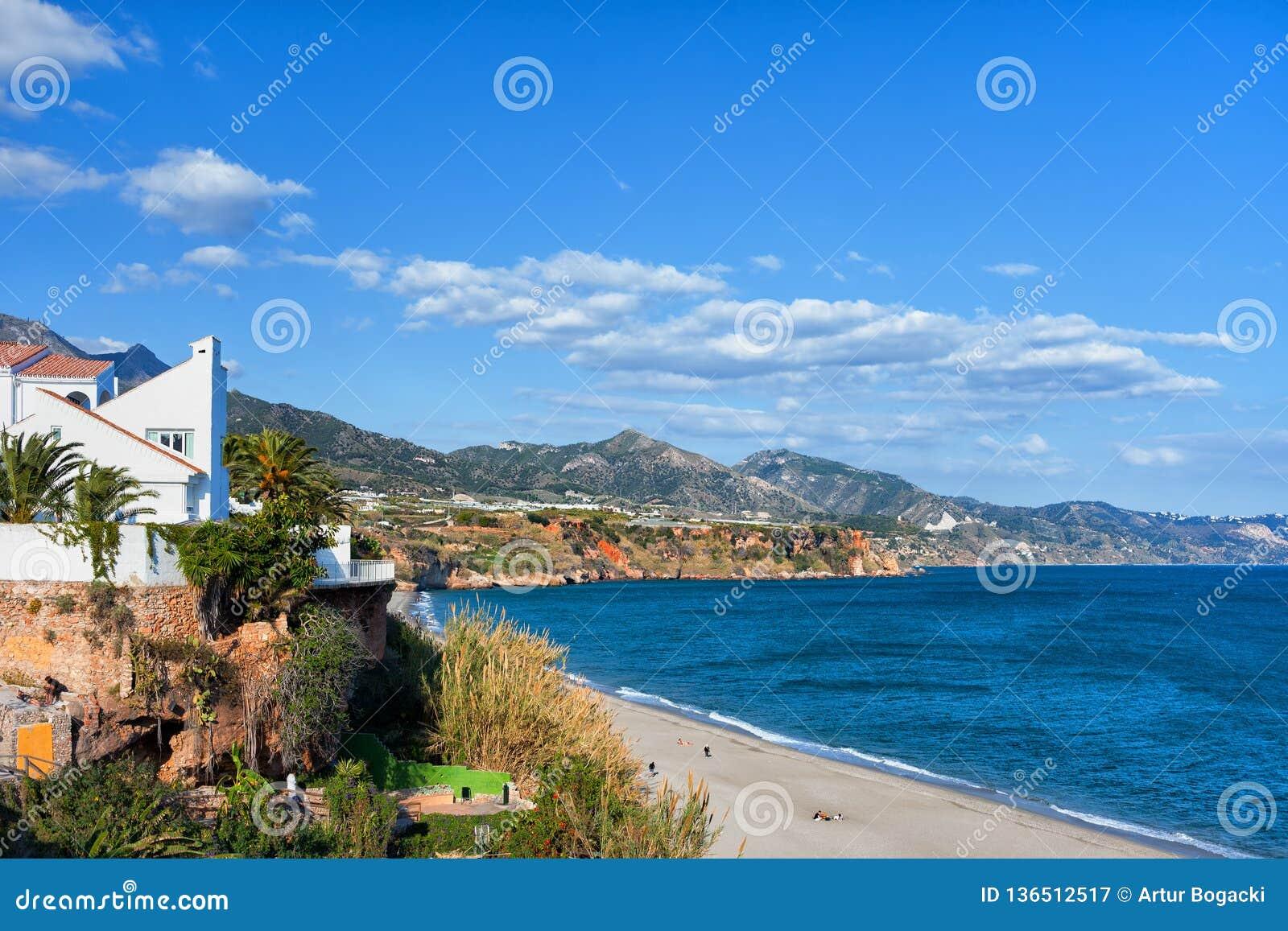 Городок Nerja на Косте del Sol в Испании
