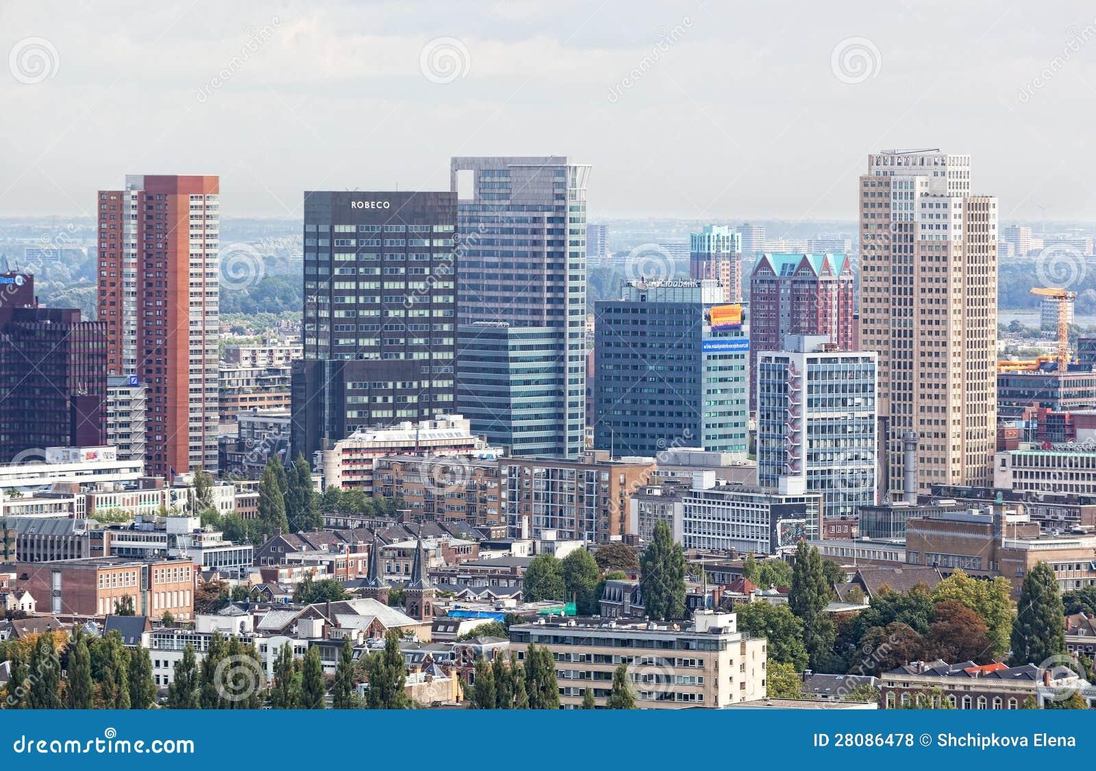 Город осматривает Роттердам
