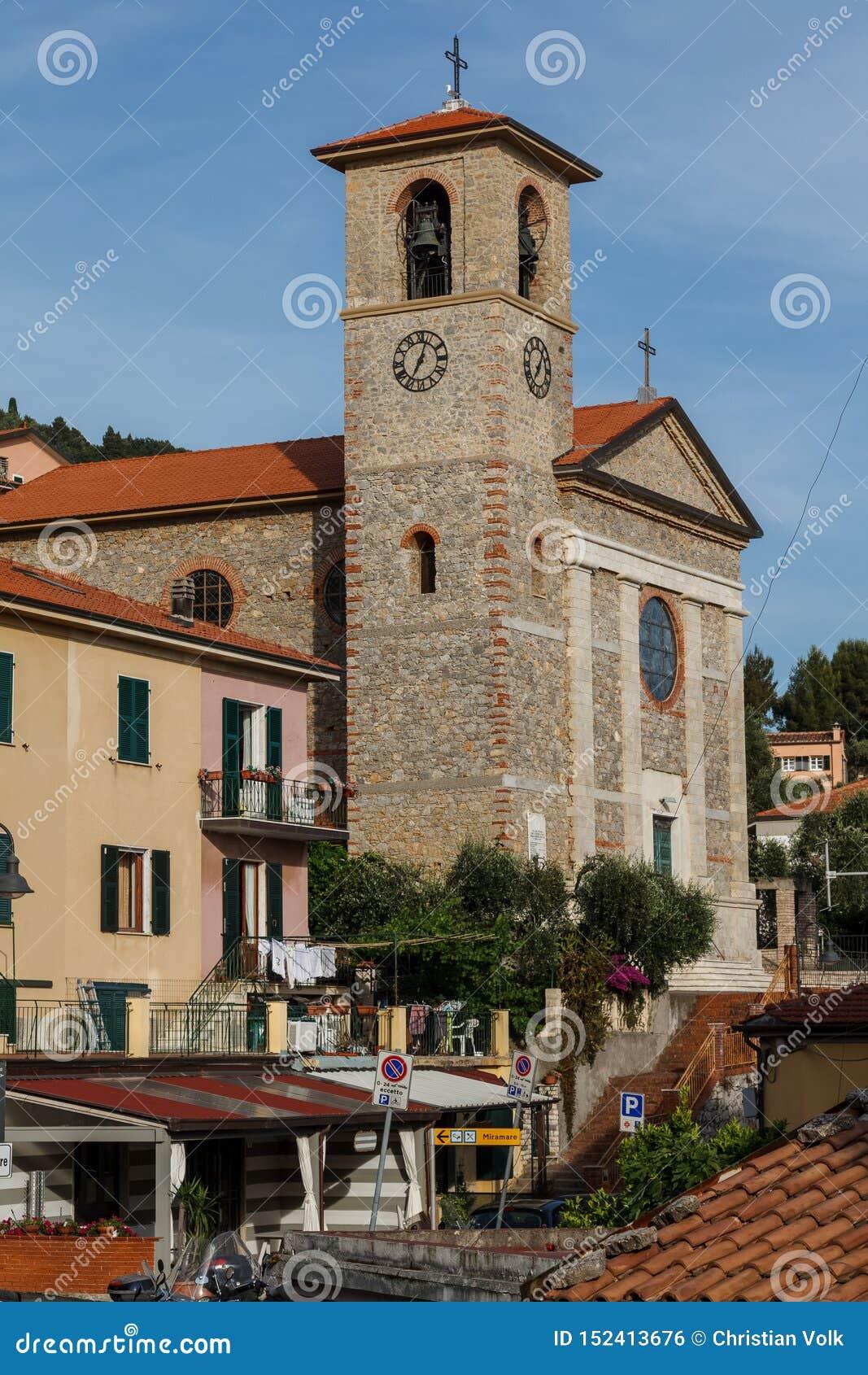 Город Tellaro около Ла Spezia в Италии