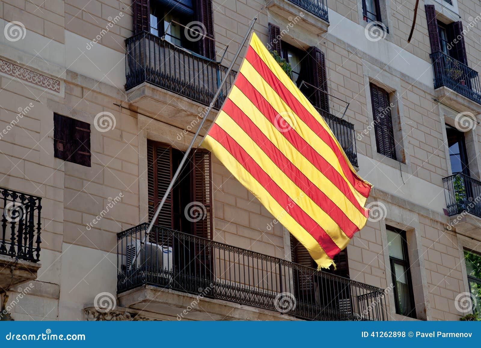 Gorod Barselona Flag Katalonii Redakcionnoe Stokovoe Foto Izobrazhenie Naschityvayushej Shtat Barbering 41262898