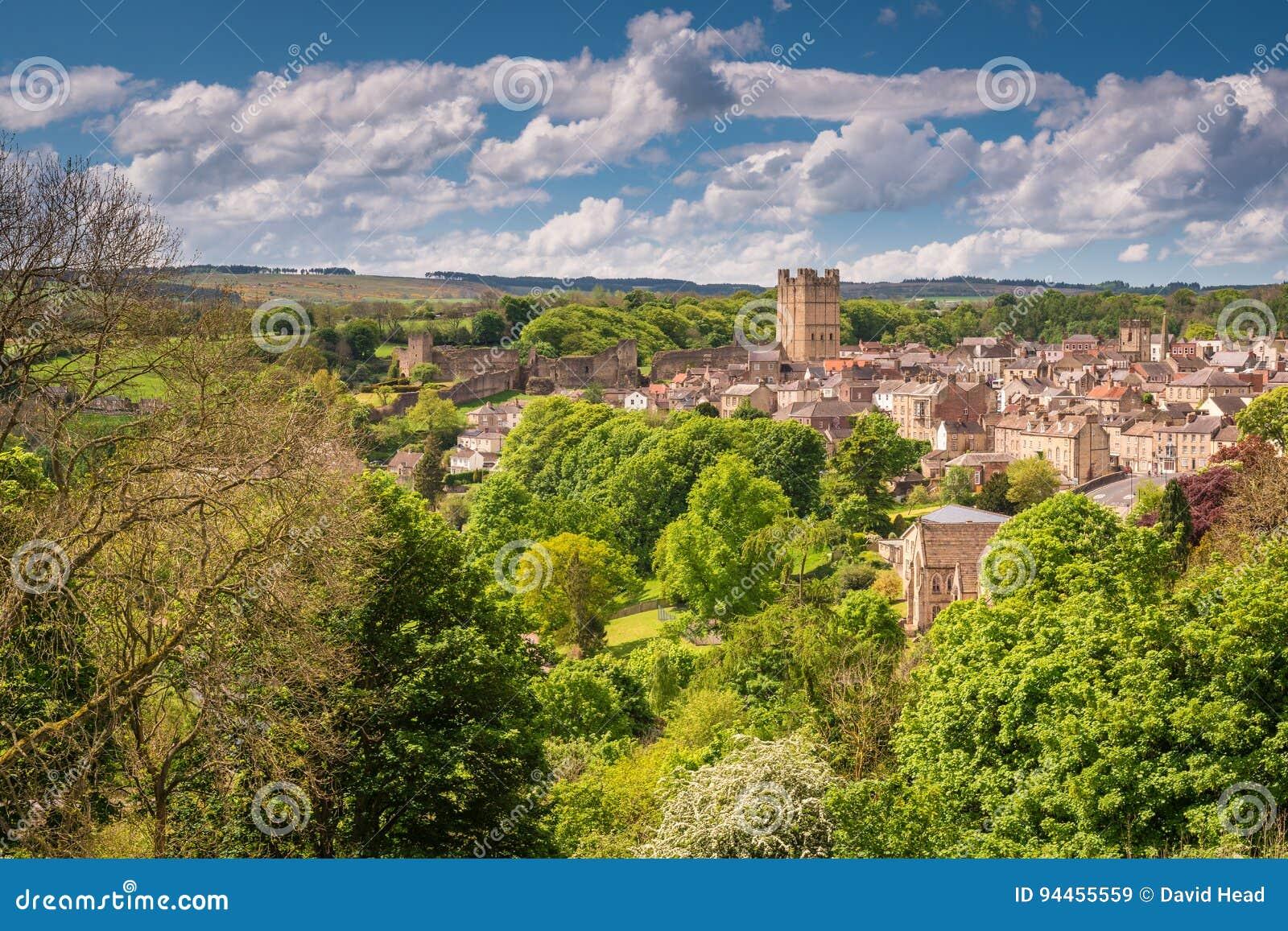 Городок и замок Ричмонда