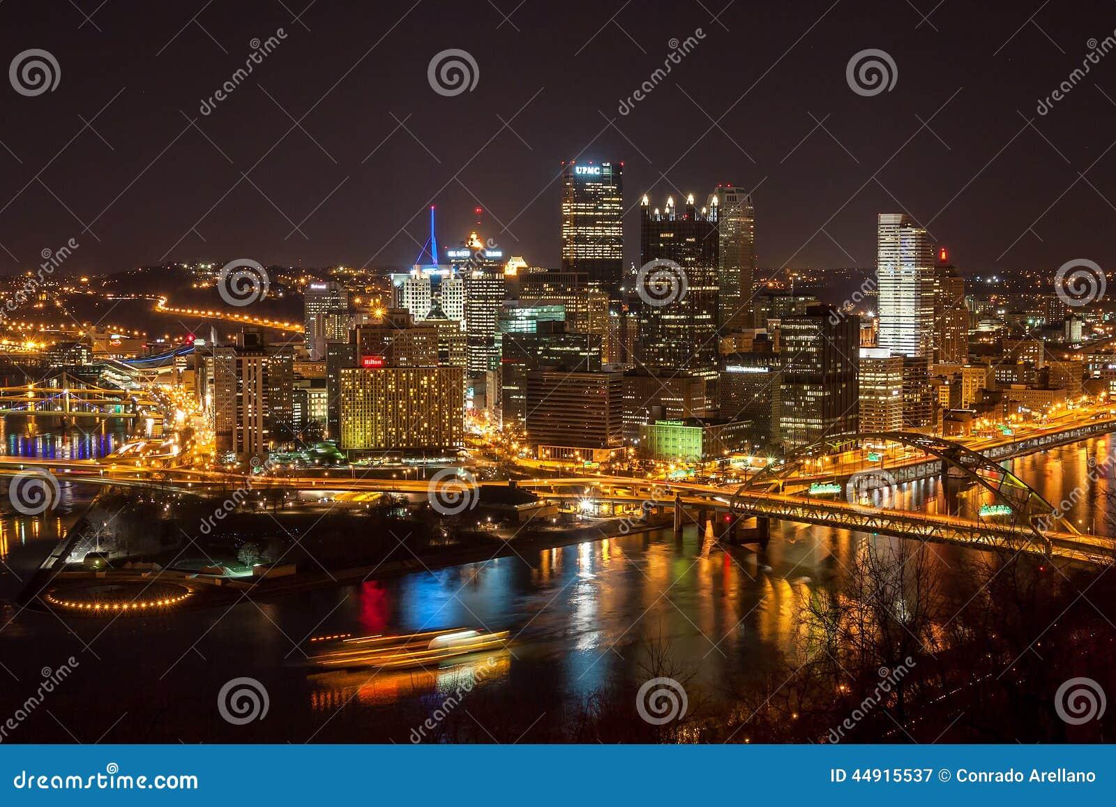 Городское Питтсбург на ноче