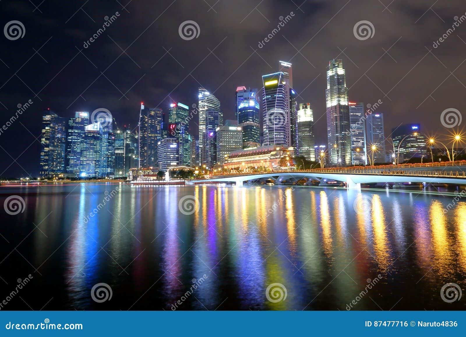 Городской пейзаж Сингапура в вечере