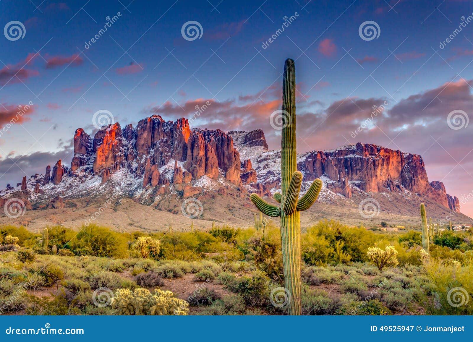 Горы Аризона суеверия