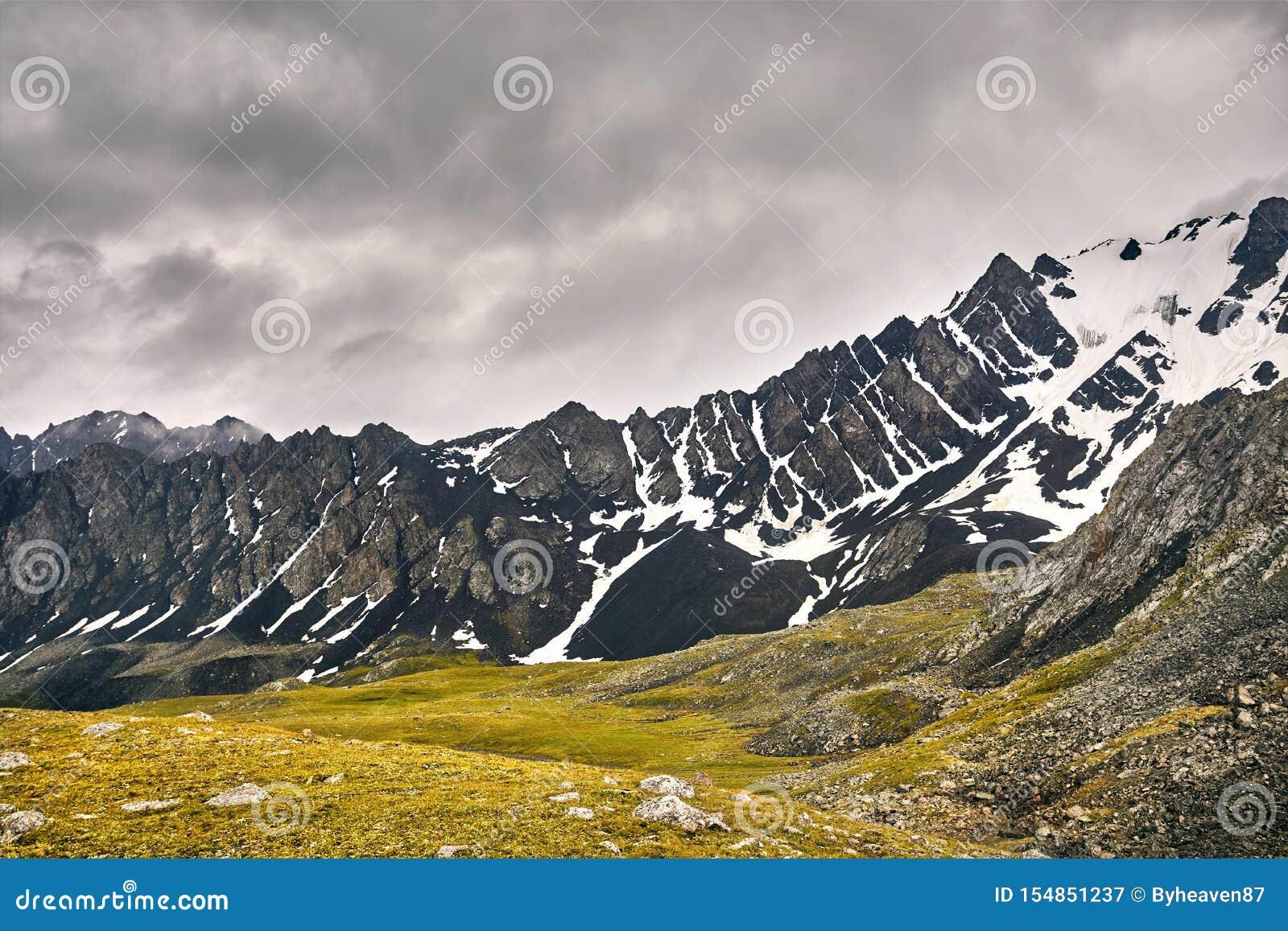 Горы в Кыргызстане