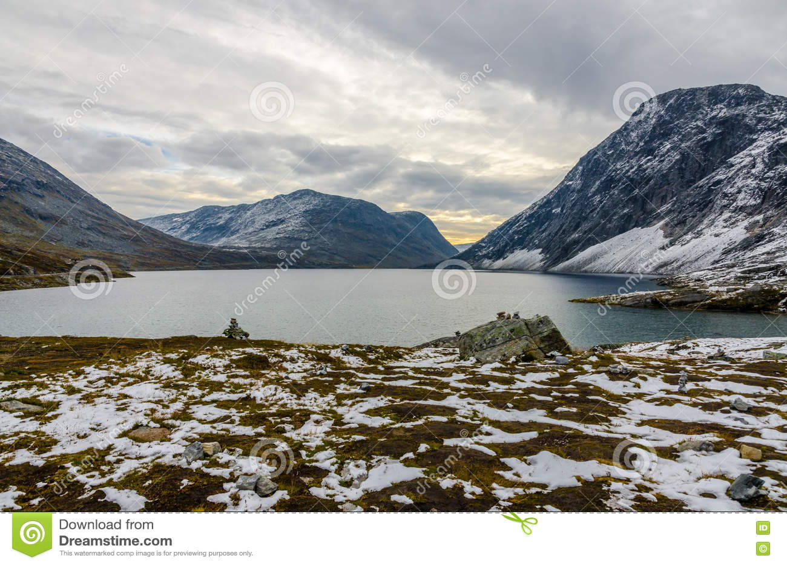 горы горы озера lac de Франции creno Корсики корсиканские