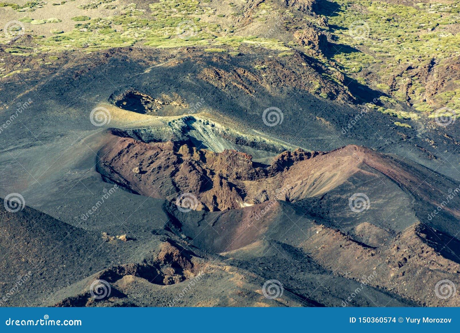 Горы другого цвета и поля лавы вокруг вулкана Teide кратеры извержения 1798 год, времени захода солнца Длинная съемка объектива T