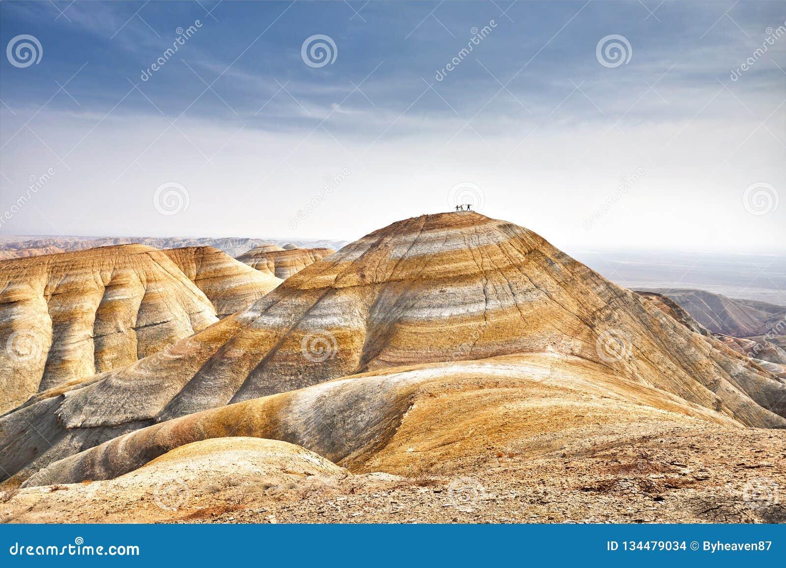 Горы пустыня
