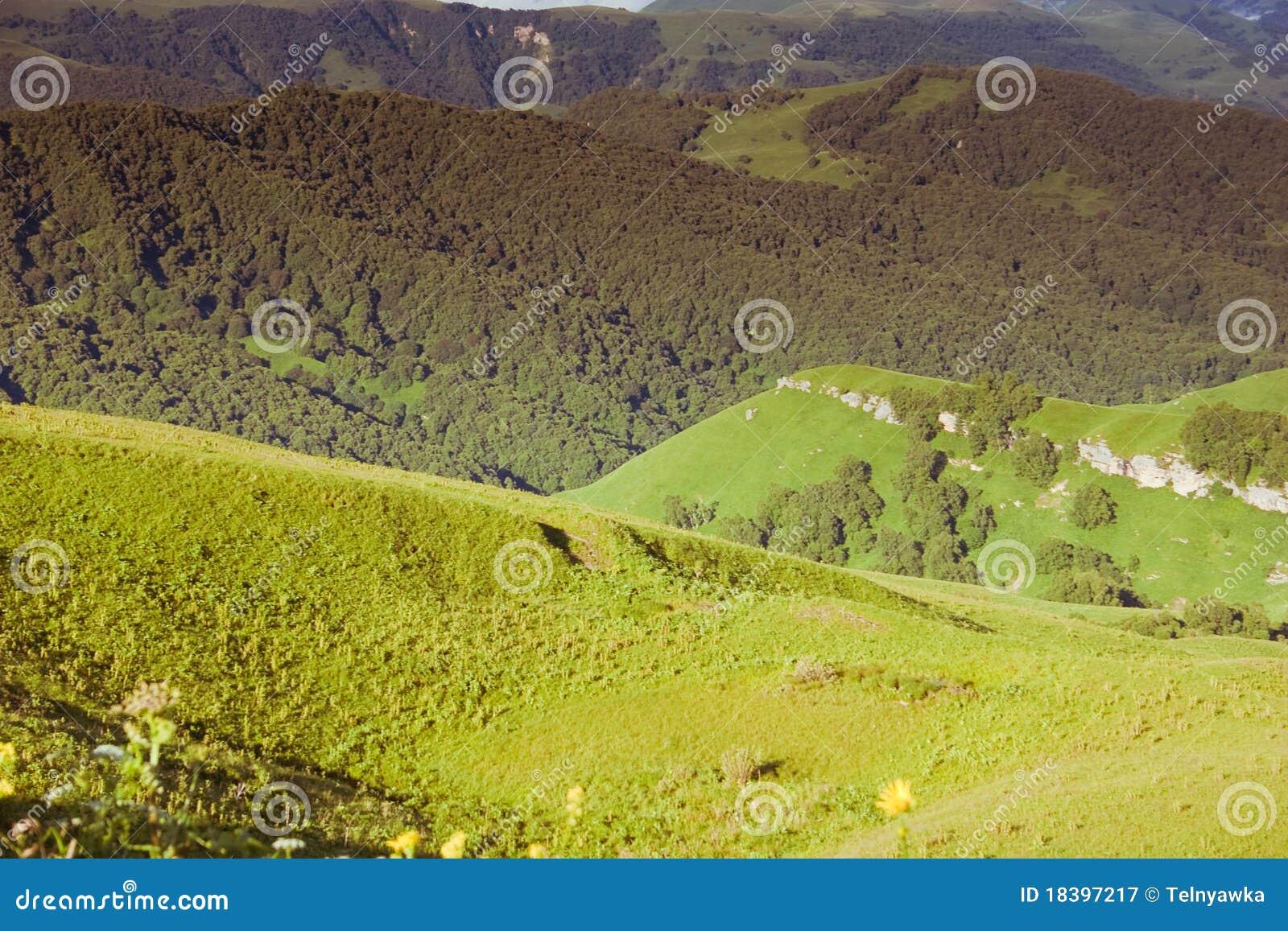 горы caucasus