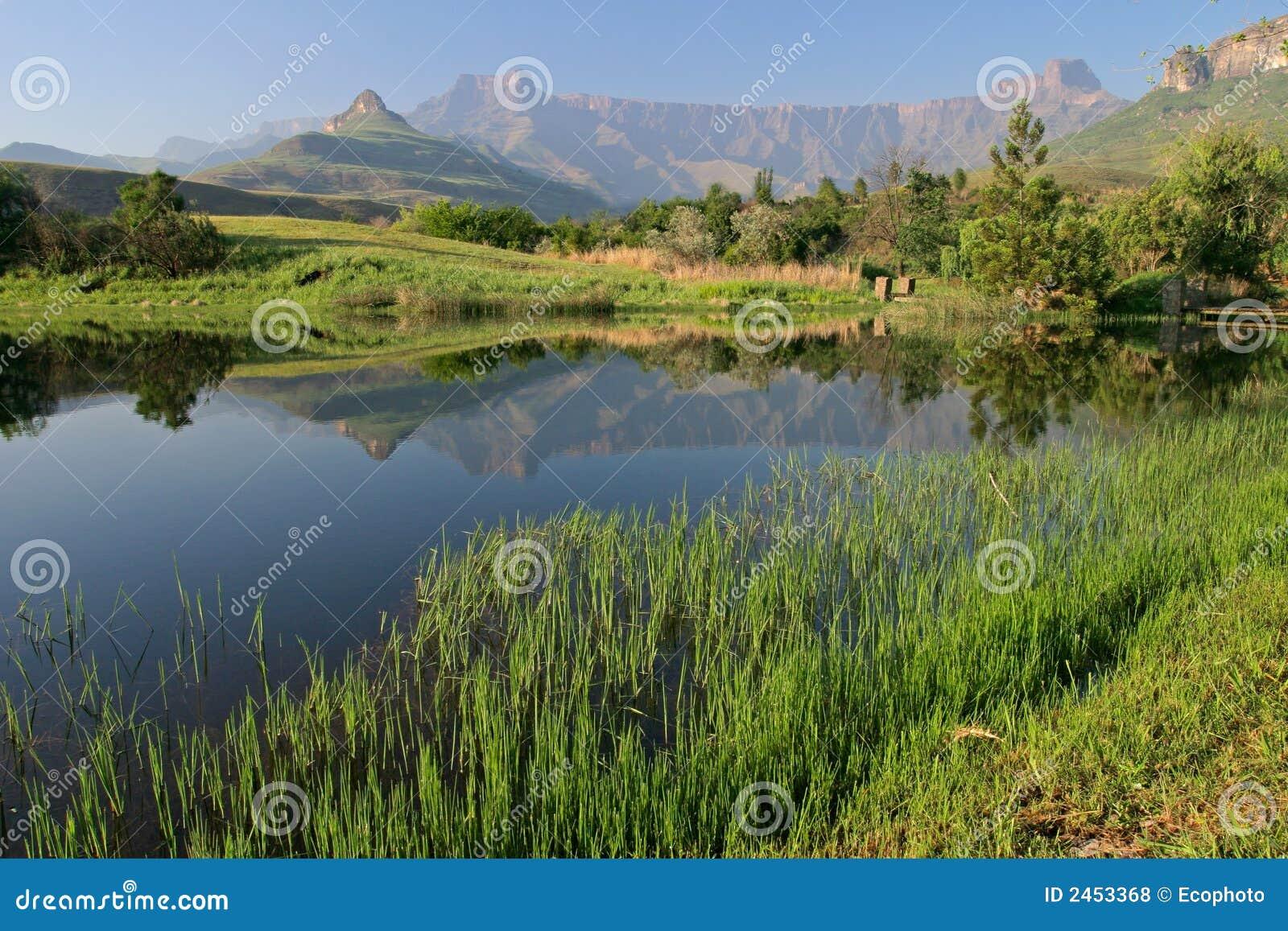 горы drakensberg Африки южные