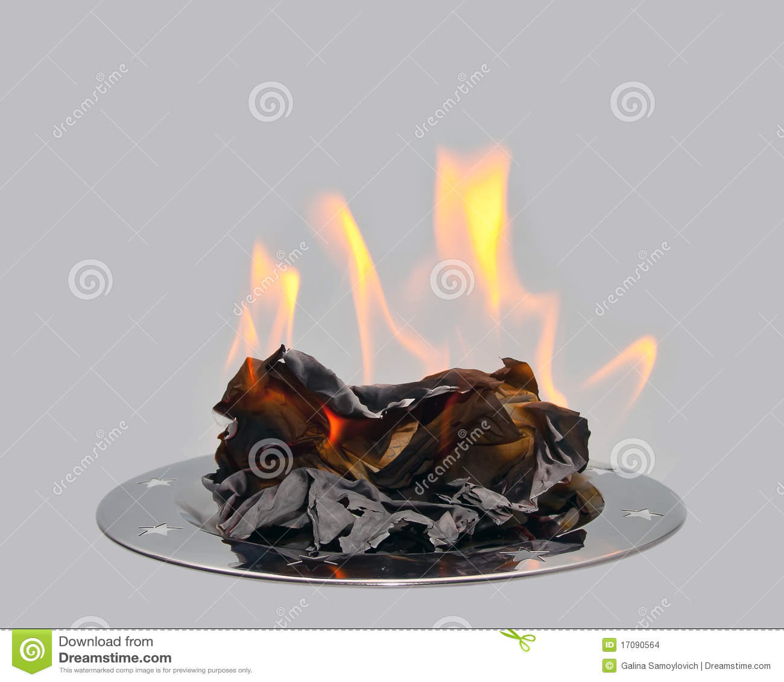 горящая бумага