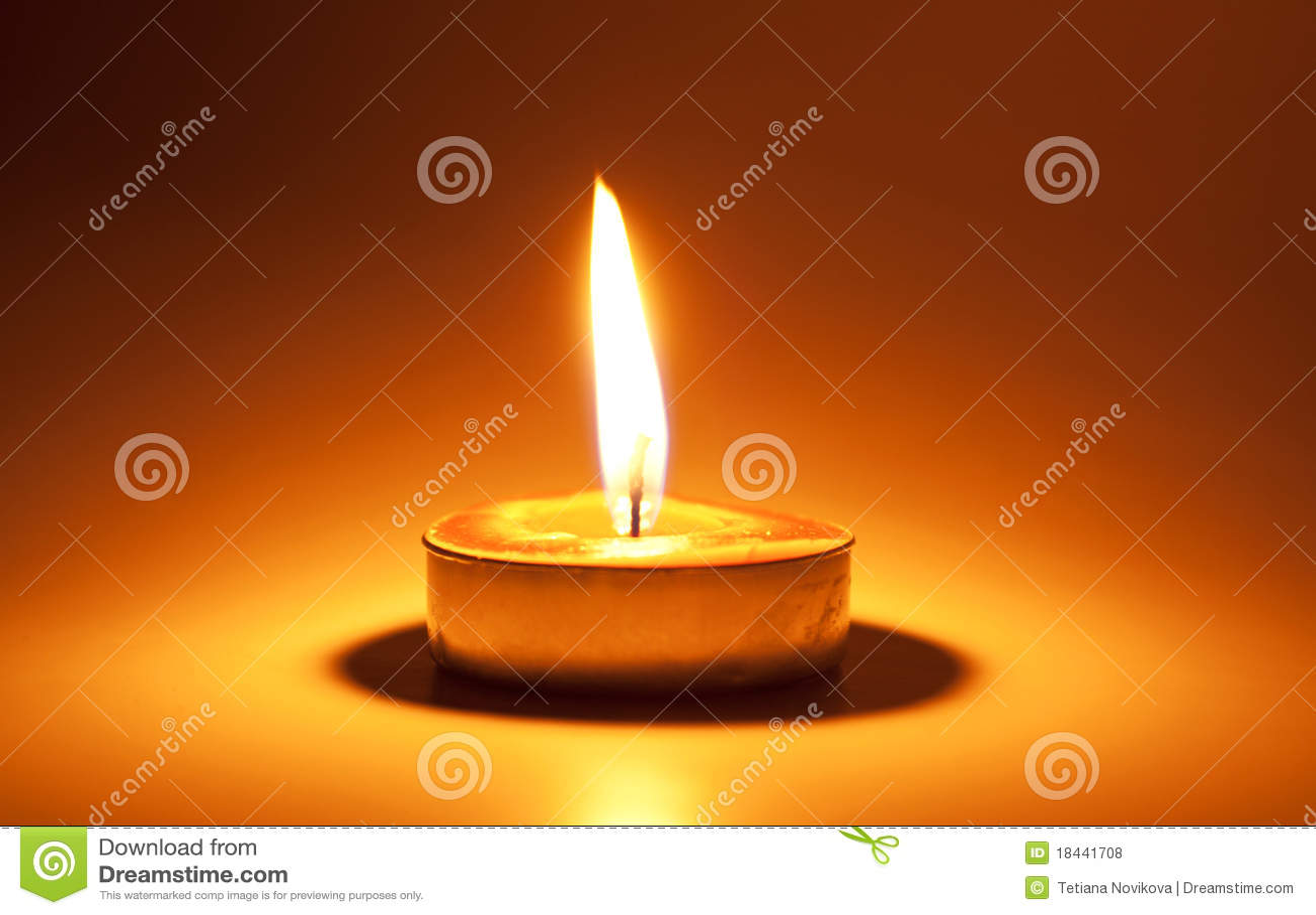 горящая свечка