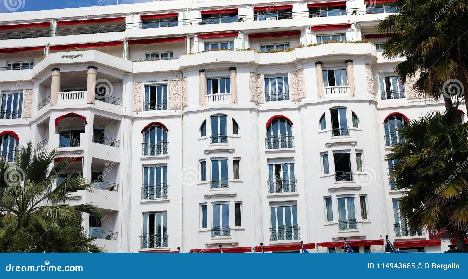 Гостиница стиля Арт Деко в французской ривьере Канн, среднеземноморском побережье, Eze, St Tropez, Монако и славном
