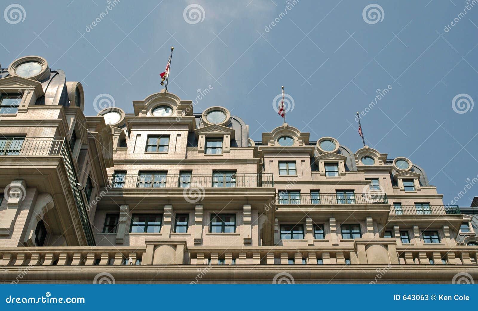 Download гостиница фасада уникально стоковое изображение. изображение насчитывающей сход - 643063