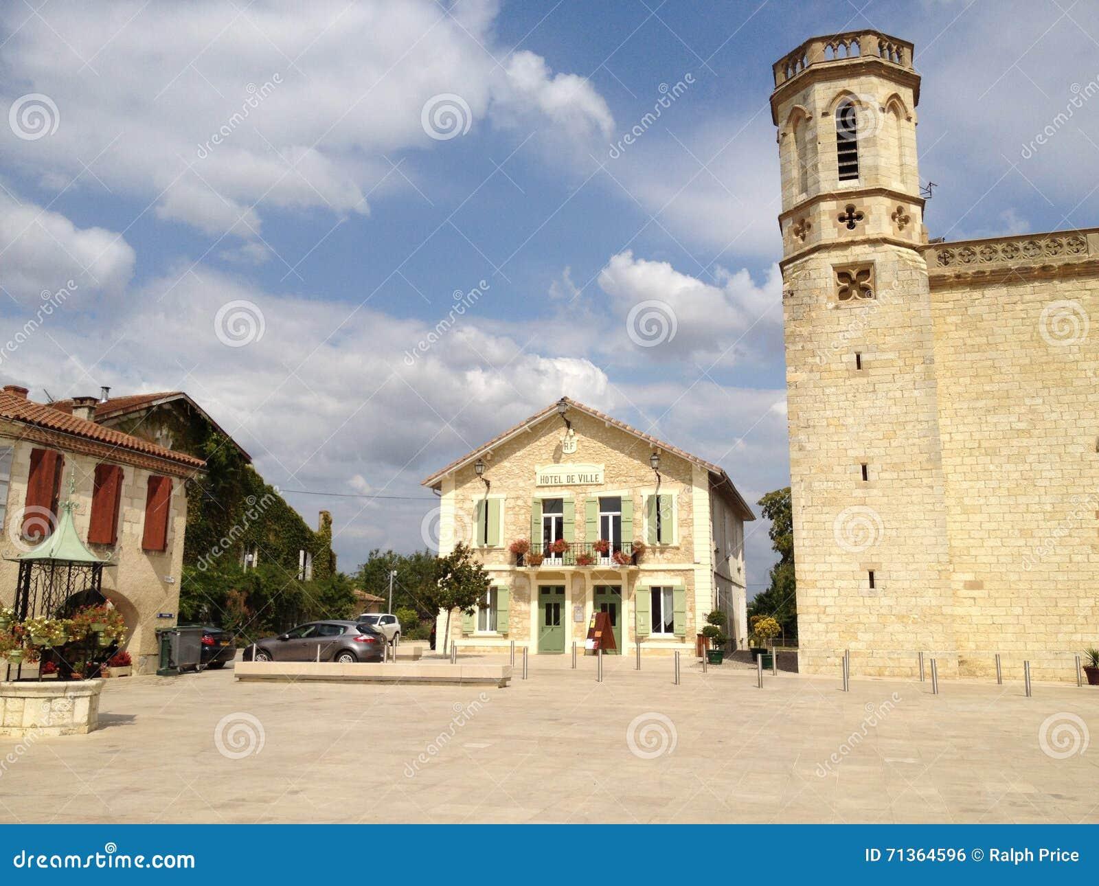 Гостиница de Ville, значность-sur-Baïse, Франция