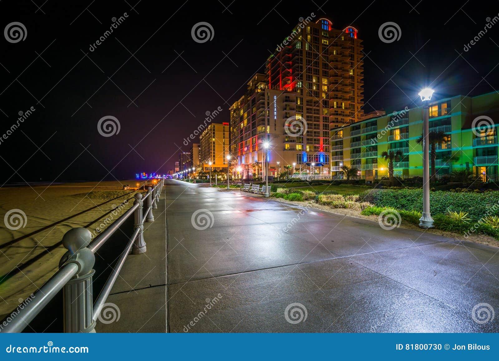 Гостиницы на ноче в Virginia Beach, VI променада и highrise