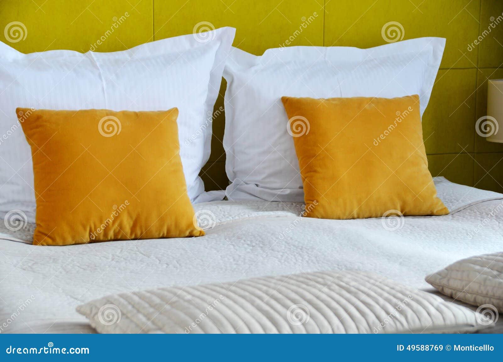 гостиничный номер кровати двойной аккомпанименты