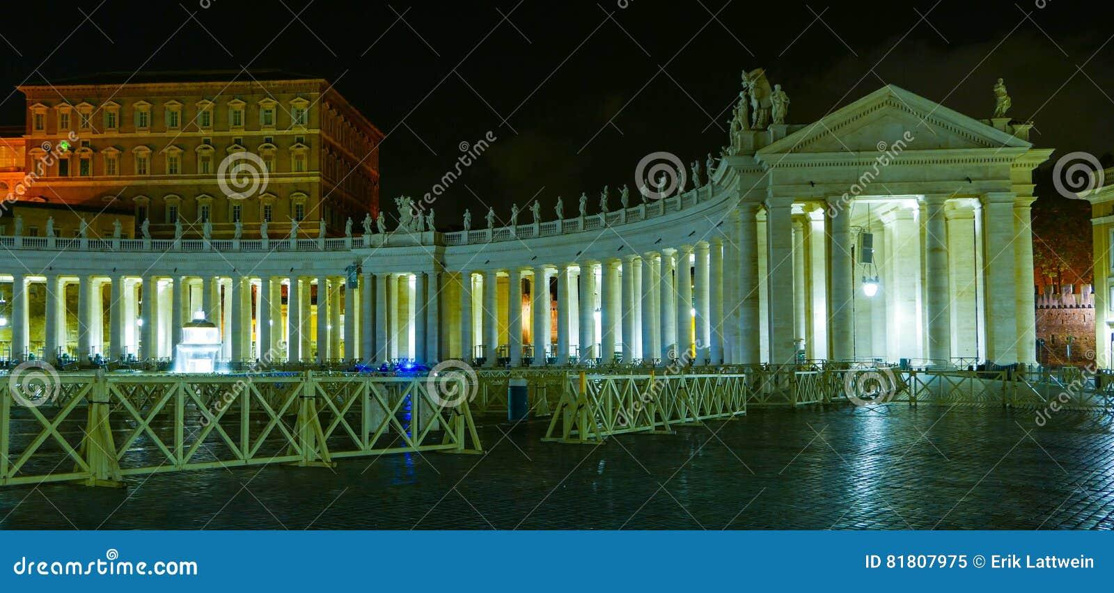 Государство Ватикан в Риме к ноча с взглядом над базиликой St Peters
