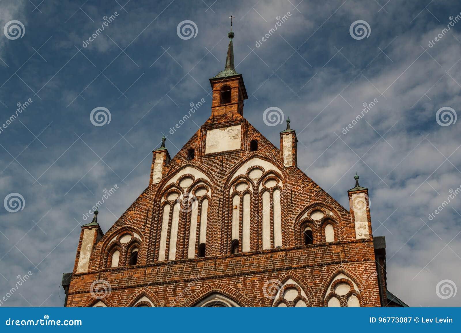 Готическая церковь в историческом центре Greifswald