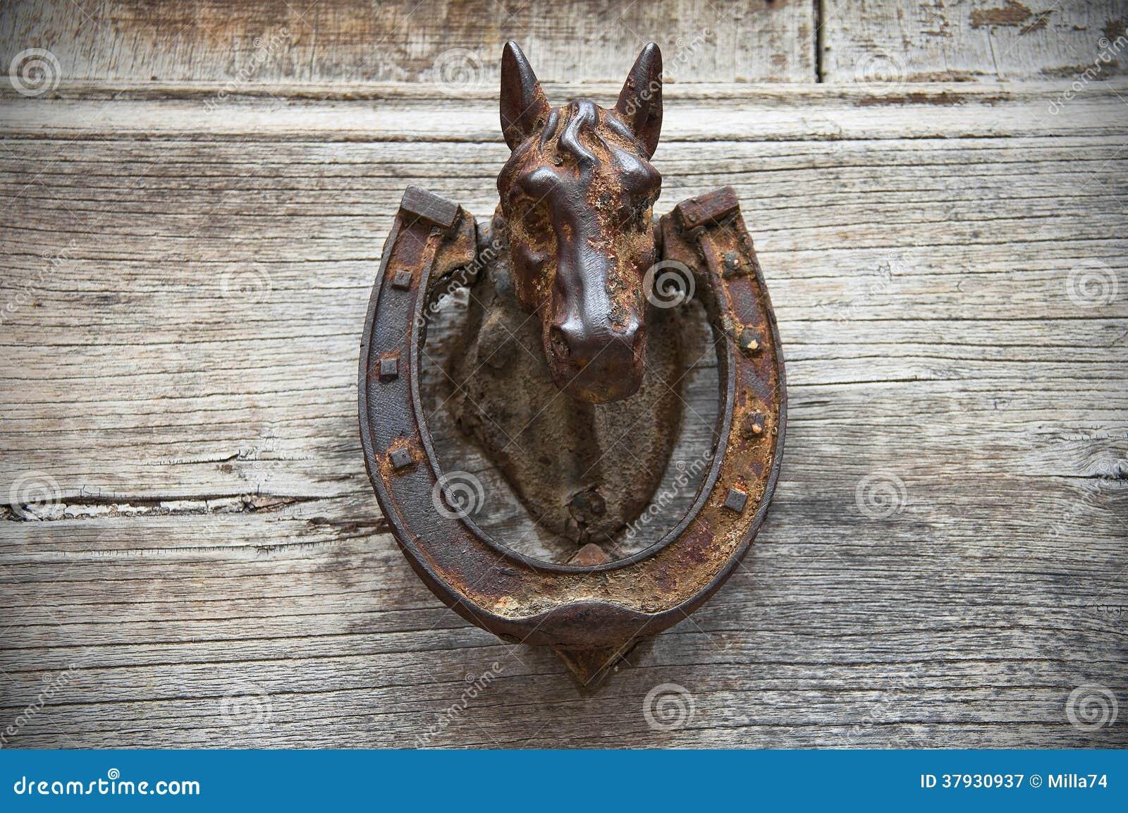 Голова лошади Doorknocker.