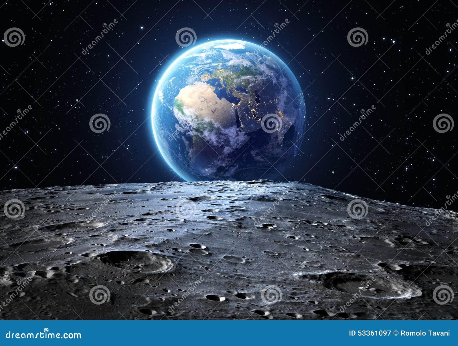 Голубая земля увиденная от поверхности луны