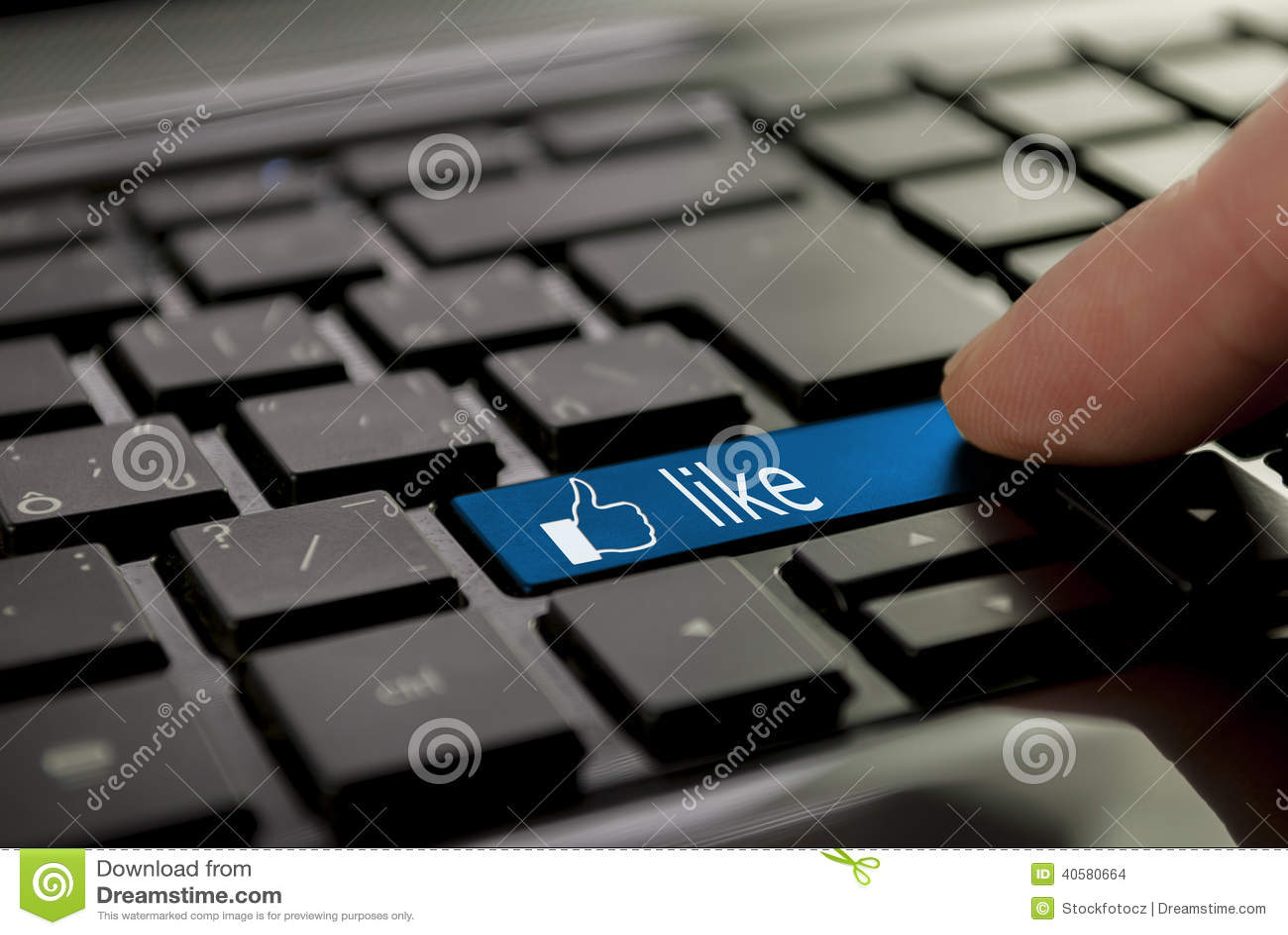 Голубая кнопка любит