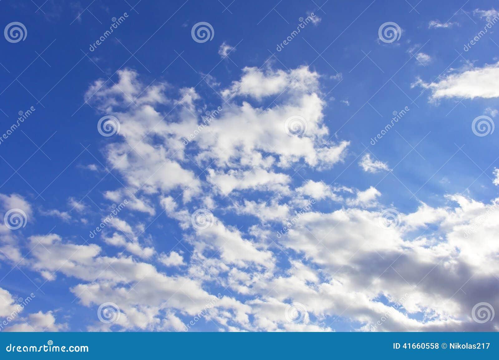 голубое небо