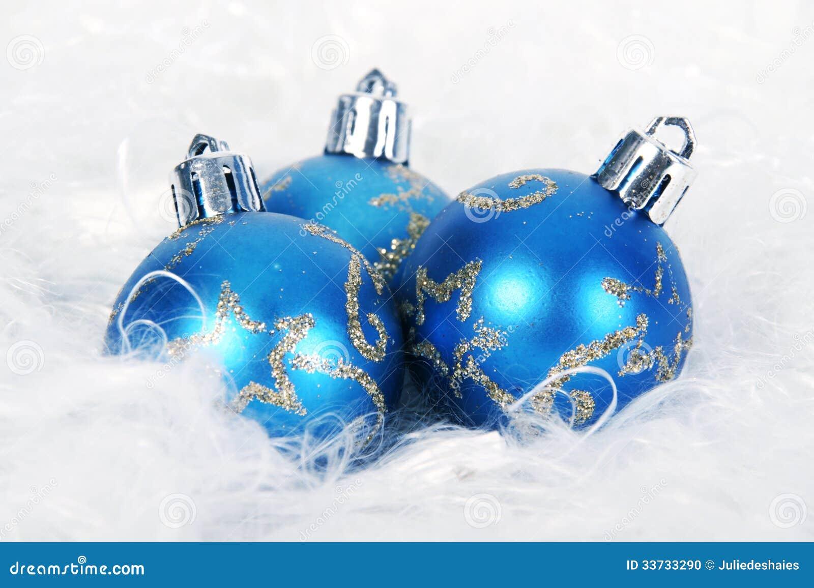 Голубой шарик рождества