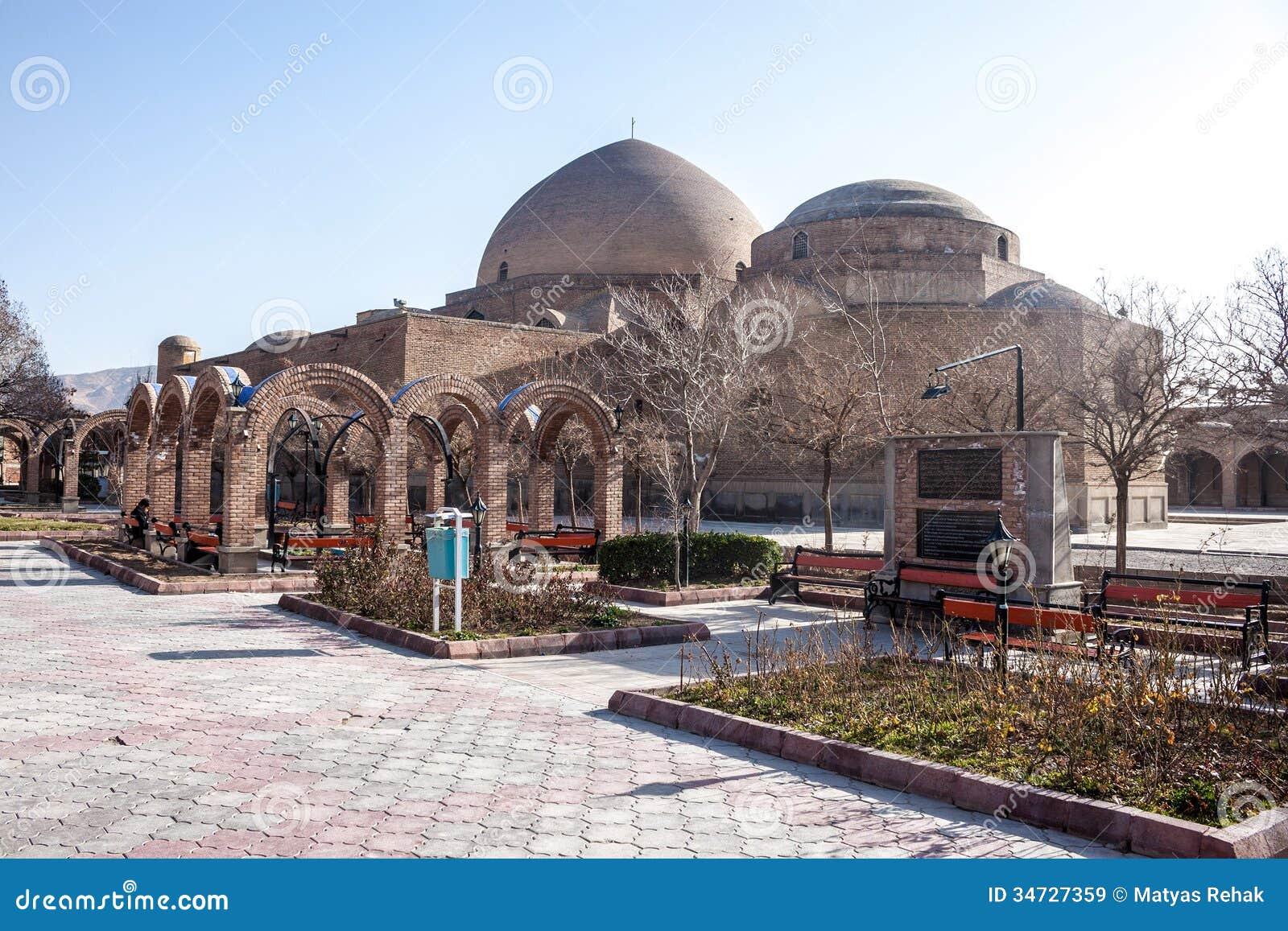 Голубые мечеть и парк Khaqani