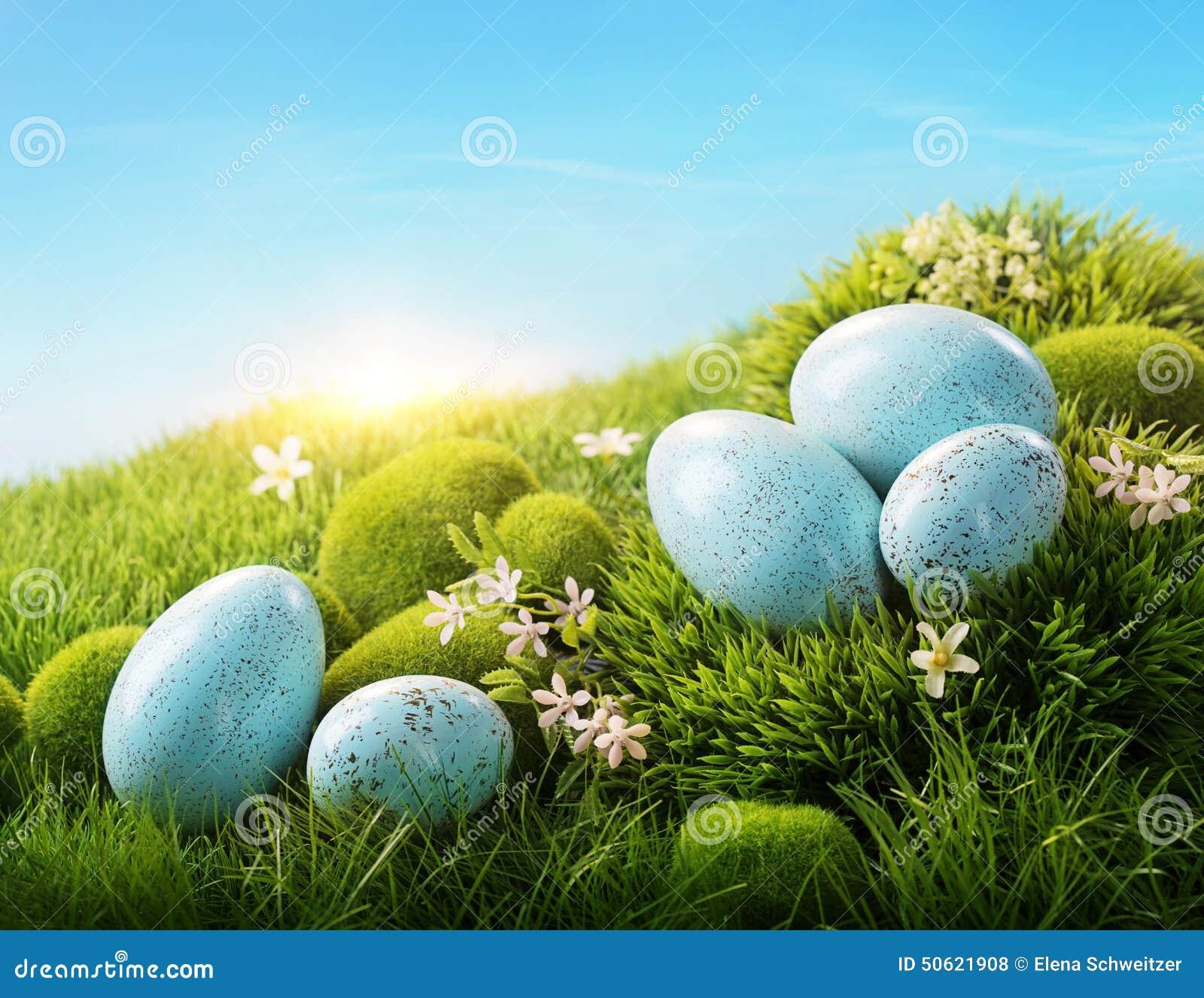 голубые пасхальные яйца