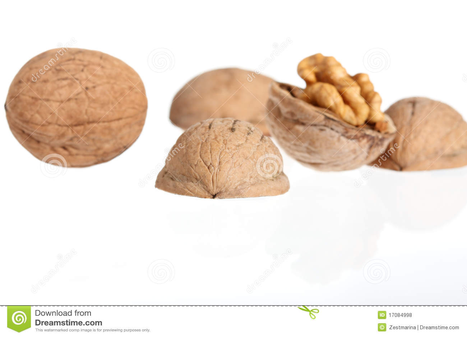 грецкие орехи группы
