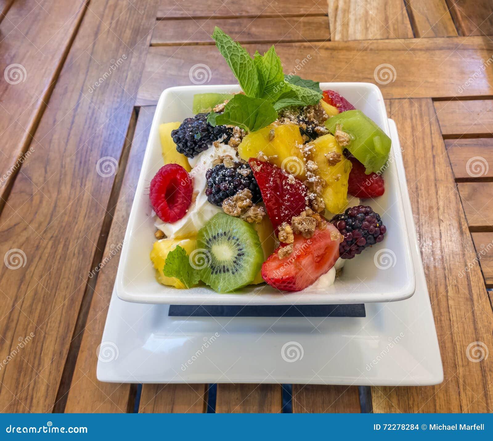 Download Греческие югурт и плодоовощ Стоковое Фото - изображение насчитывающей almira, волокно: 72278284