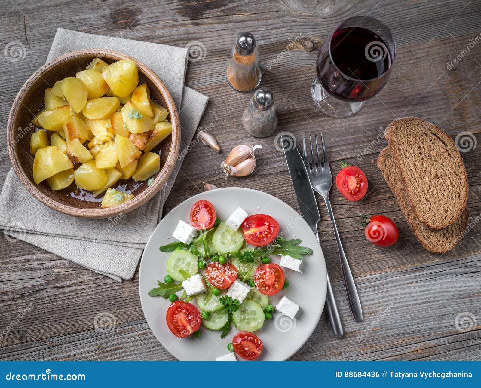 Греческий салат из картошки