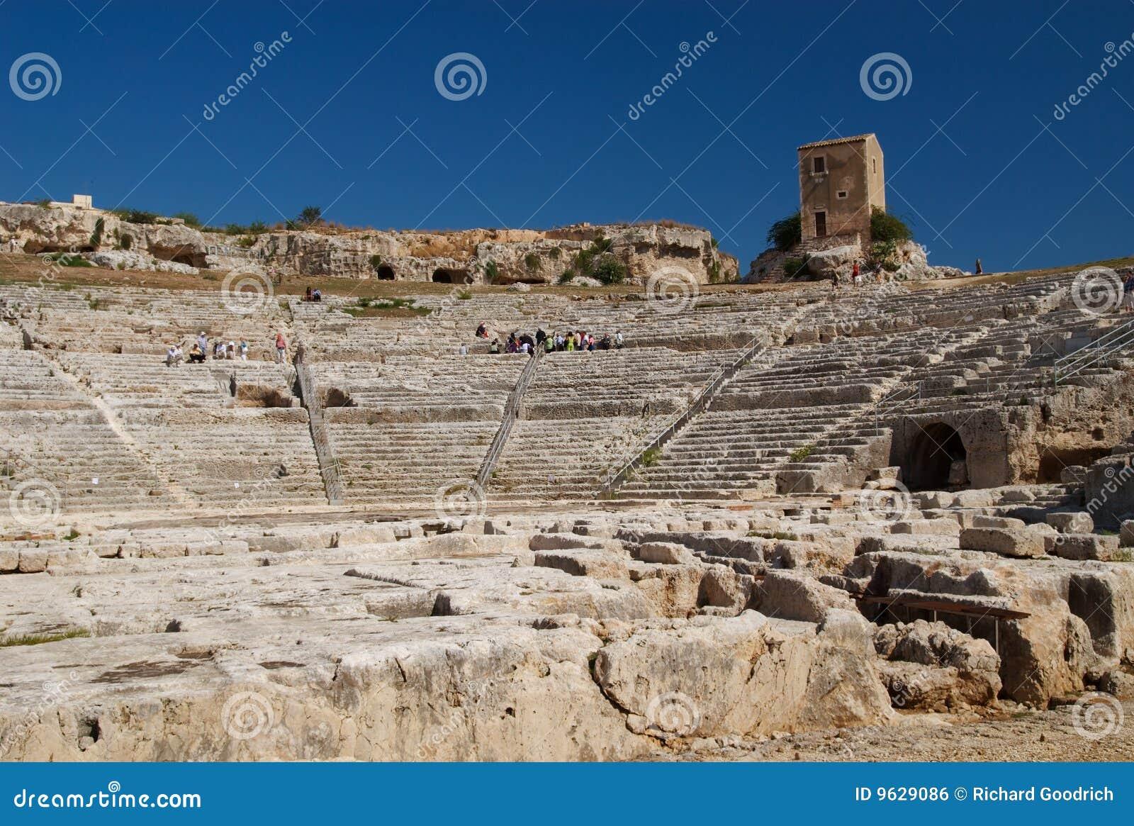 греческий театр Италии Сицилии syracuse