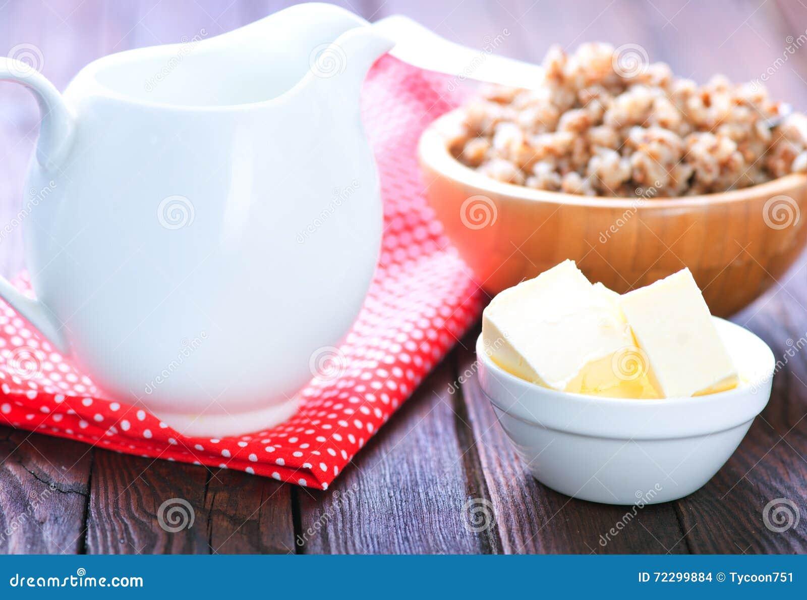 Download Гречиха с молоком и маслом стоковое фото. изображение насчитывающей bogota - 72299884