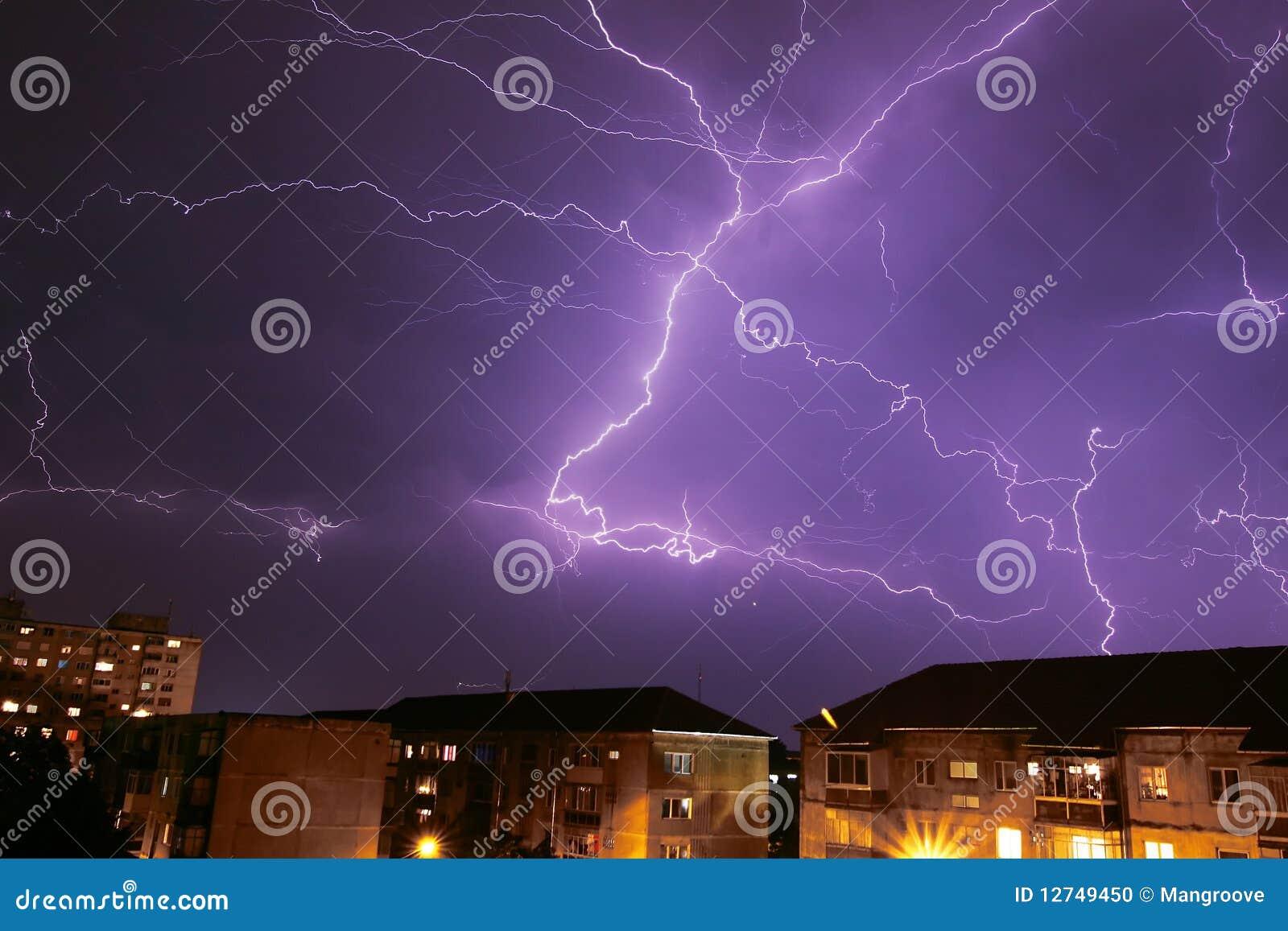 гром шторма
