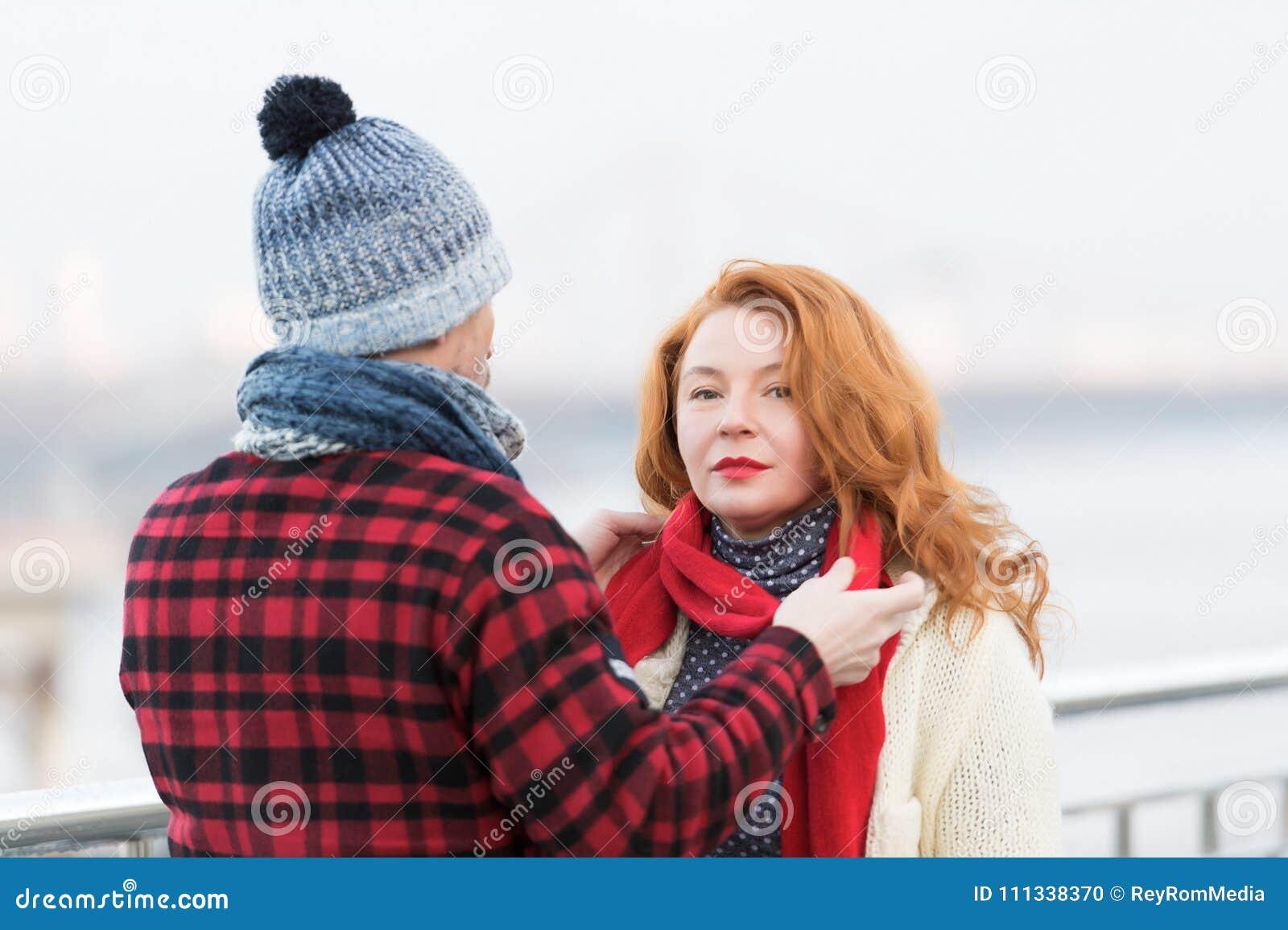 Снеграми грубое фото с женщиной муж