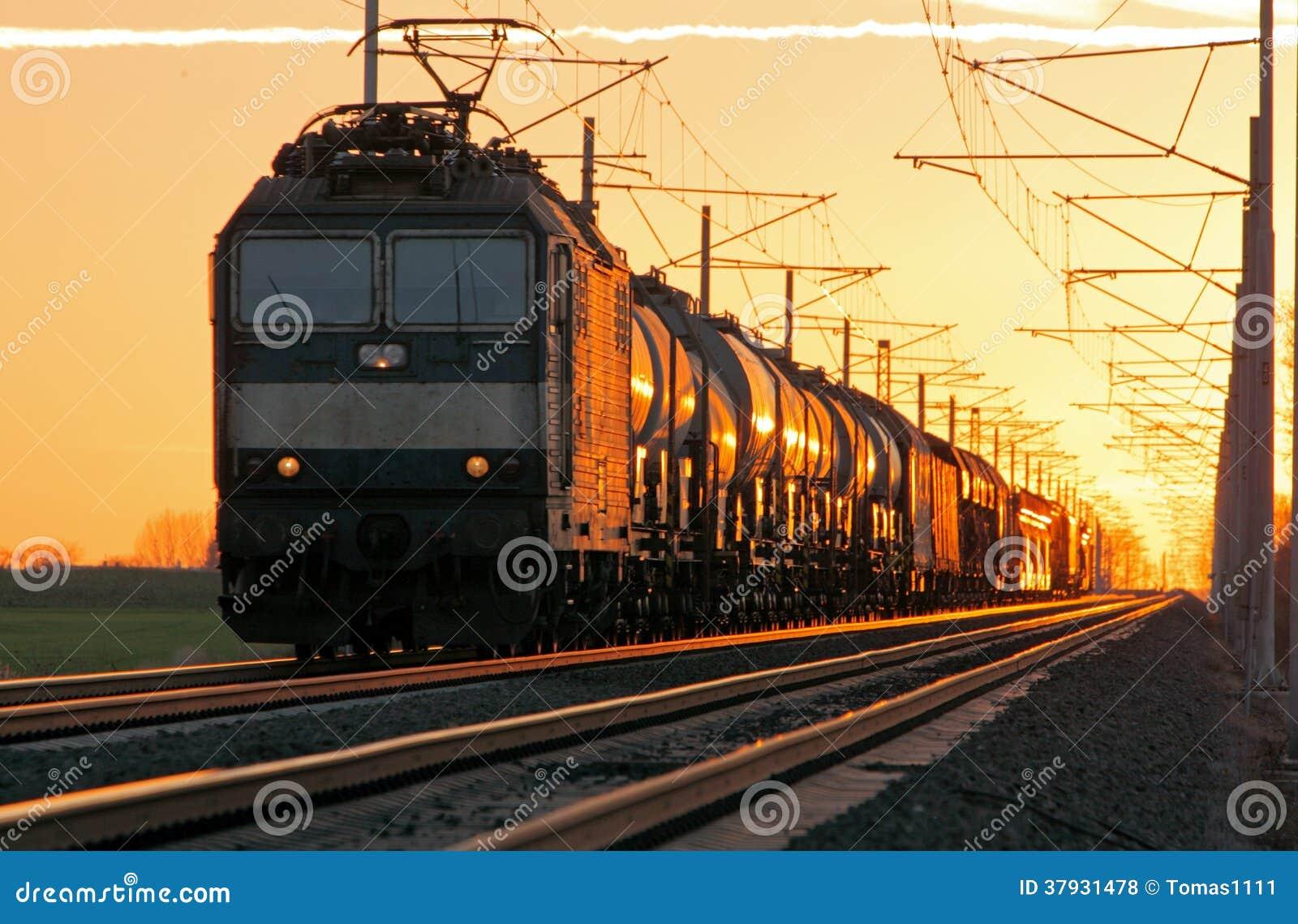 Груз поезда в железной дороге