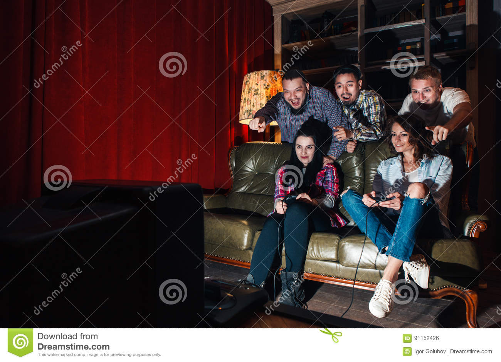 Группа в составе видеоигра игры молодости, конкуренция, потеха