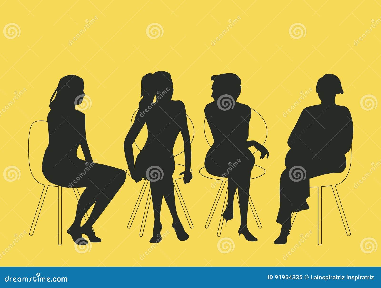 Группа в составе 4 женщины сидя совместно говорить совместно