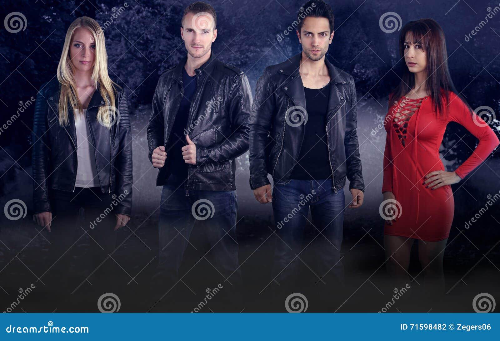 Группа в составе 4 молодых вампира