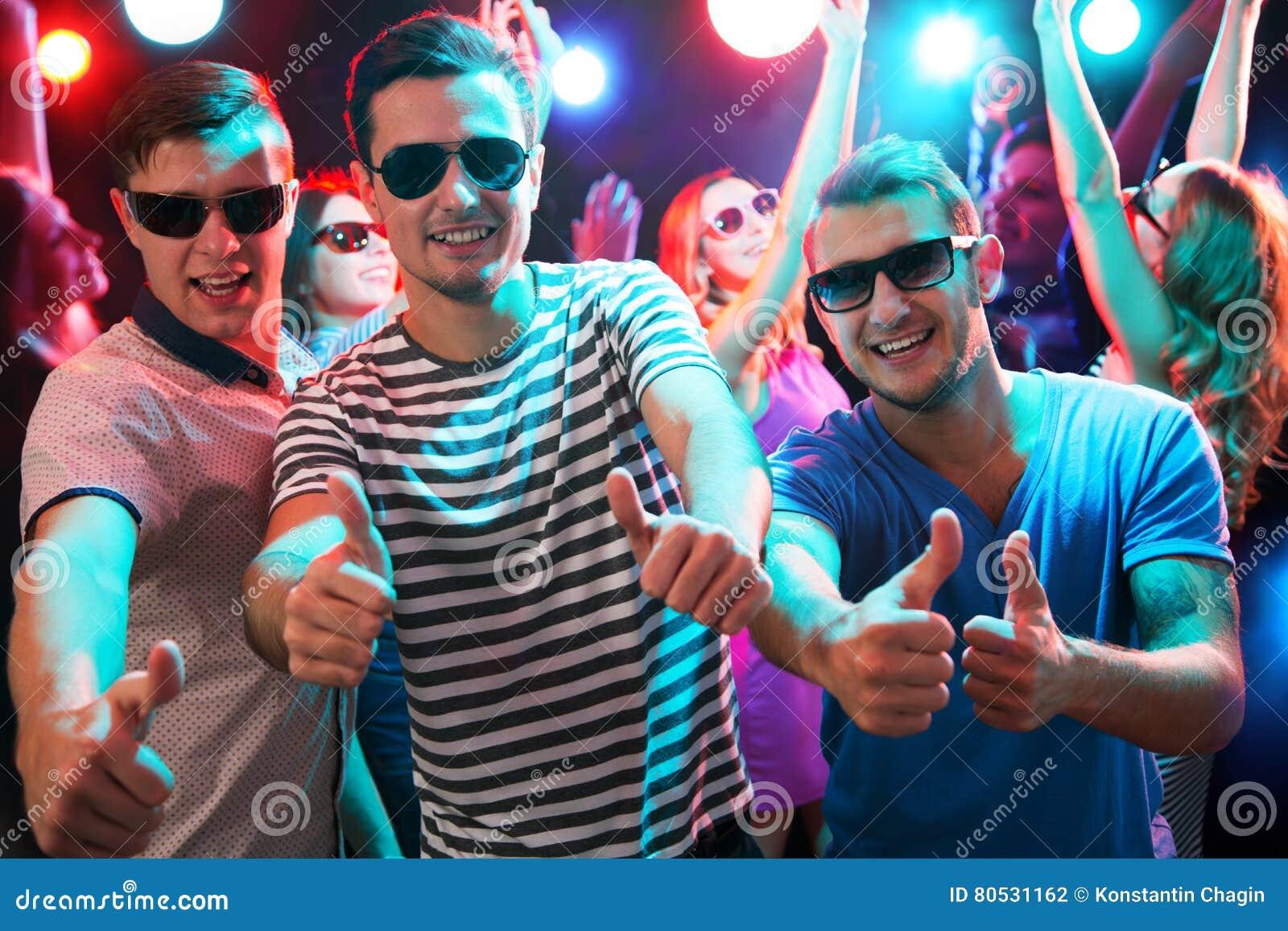 ночной клуб парни