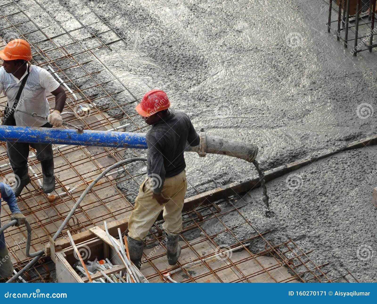 Вылив бетона купить быстрый бетон