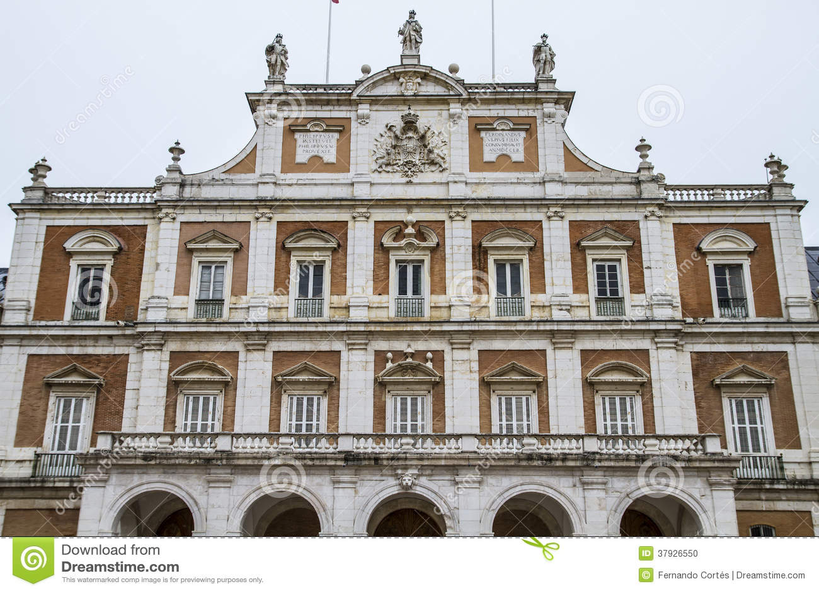 Главный фасад. Дворец Аранхуэса, Мадрида, наследия Spain.World сидит