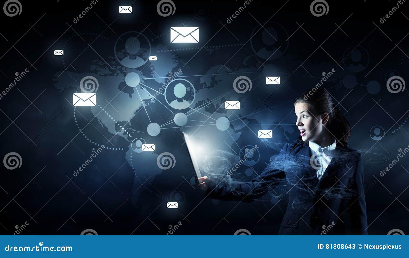 Глобальная концепция беспроводной связи Мультимедиа