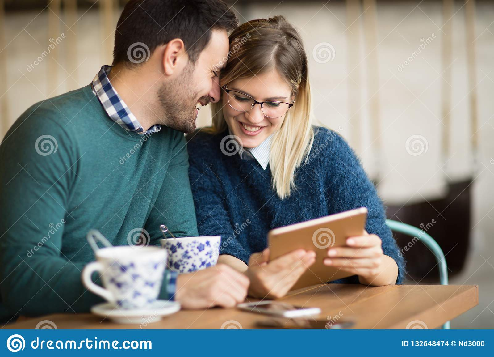 Датировка пар в ресторане