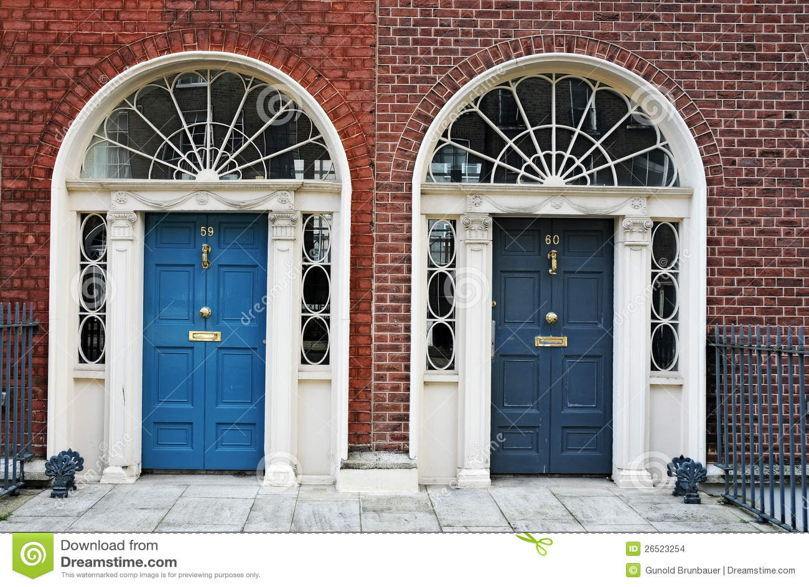 Двери Дублин