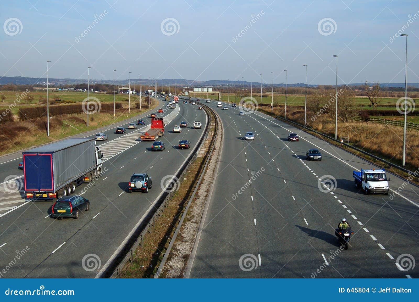 Download движение шоссе стоковое фото. изображение насчитывающей дорога - 645804
