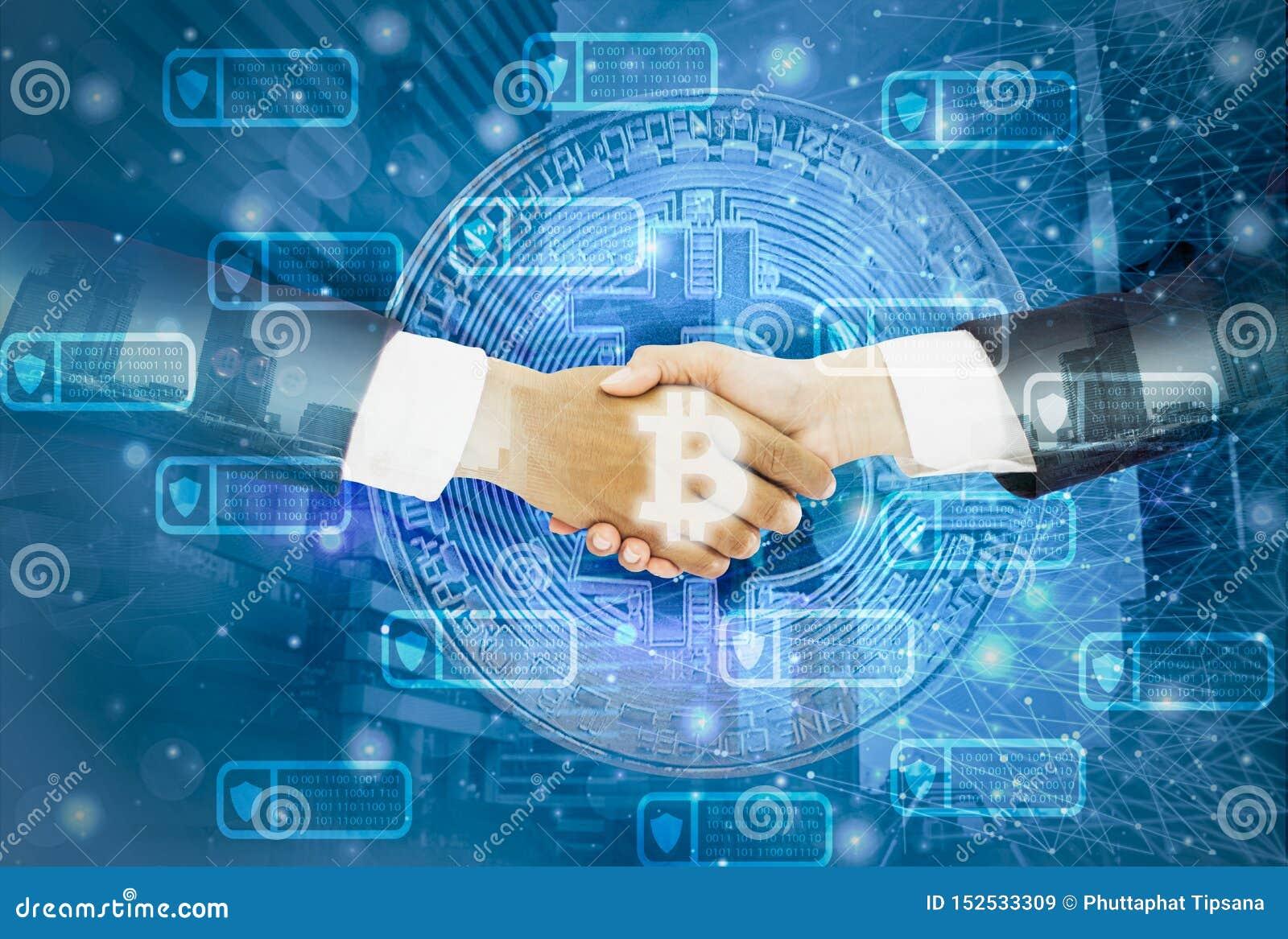 Двойное рукопожатие выдержк-бизнесмена с соглашенной коммерсанткой обсуждает торгуя bitcoin, городской пейзаж предпосылки, линии
