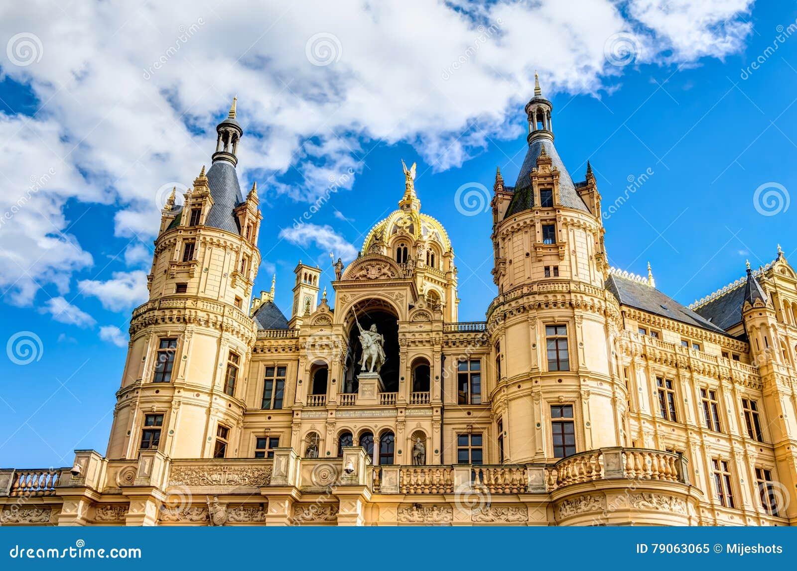 Дворец Шверина в романтичном стиле архитектуры Historicism